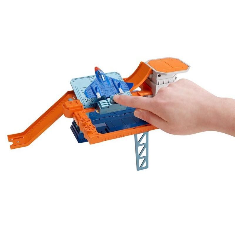 Hot Wheels Tajna Baza Lotnicza zestaw tor i auto Mattel